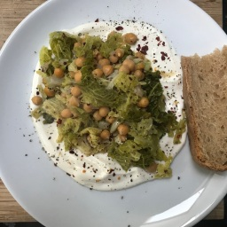 Chickpeas with Savoy Cabbage